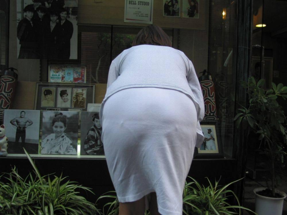 素人のエッチなお尻とパンツが透けてるwwww街撮りエロ画像 2911