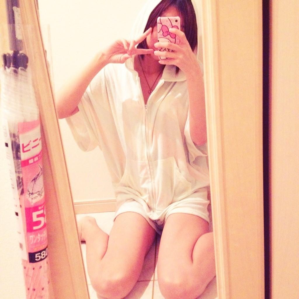 素人女神たちのエロ写メ☆ピースする自画撮りの生々しさがたまらんエロ画像 655