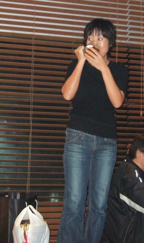 熟女のジーパン履いてる画像で抜くのが好きなやつwwwwwwwwww 1105 1