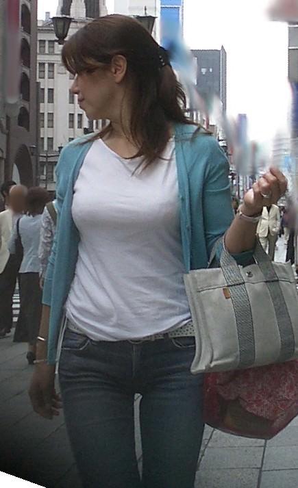 熟女のジーパン履いてる画像で抜くのが好きなやつwwwwwwwwww 1112 1