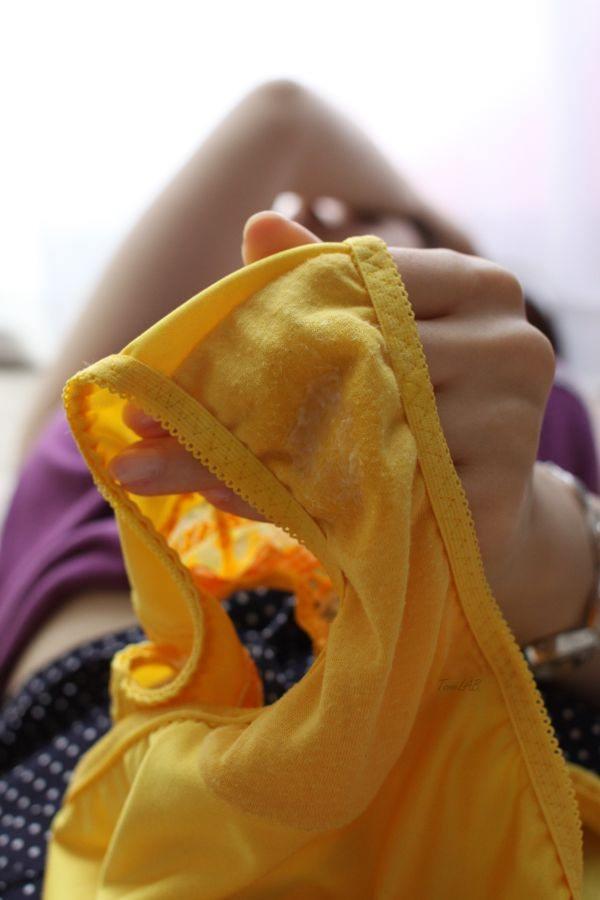 幸せのチンコを運ぶ黄色いパンツを履いた、まんさんのエロ画像wwwwwwwwwwwwwwwww 2014