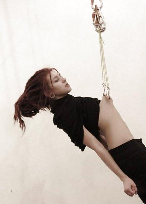 ドM女の拷問されてる姿が痛々しいwwwSMエロ画像 1024
