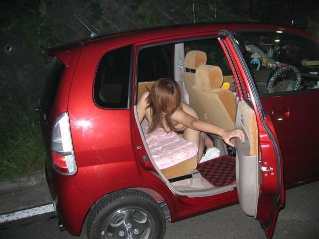 アブノーマルなプレイで興奮したい素人お姉さんwww車内で脱いでオナったり露出したりエロ画像 1418