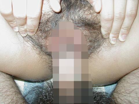 素人の肉棒チンコがまんこを犯してるドアップ接写エロ画像 17