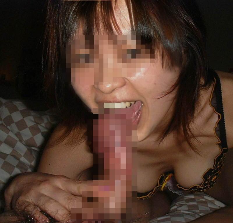 人妻の胸チラするおっぱいwwwエロパイに勃起する肉棒フェラwwww 208