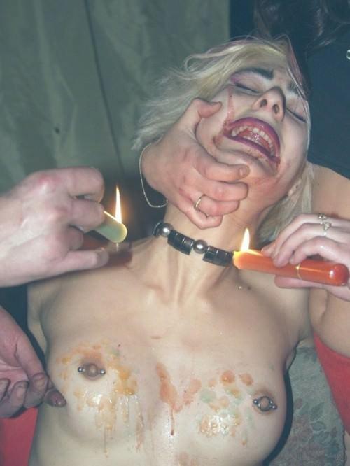 被虐的な事で性的興奮を呼び起こすドM変態女のローソクプレイエロ画像 2164