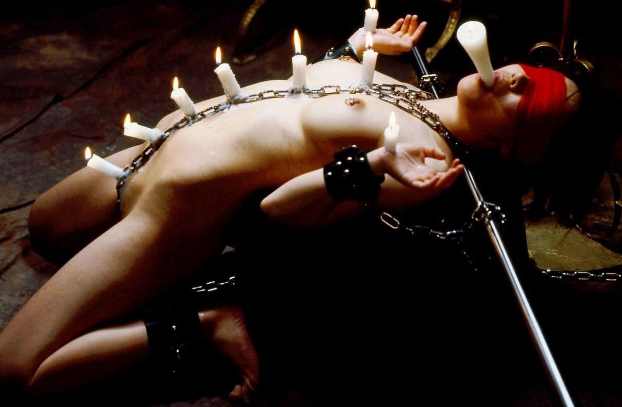 被虐的な事で性的興奮を呼び起こすドM変態女のローソクプレイエロ画像 649