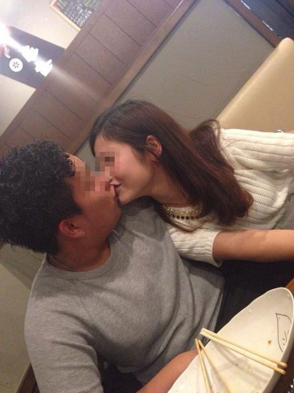 リア充カップルがキスを自撮りしてる素人エロ画像 72