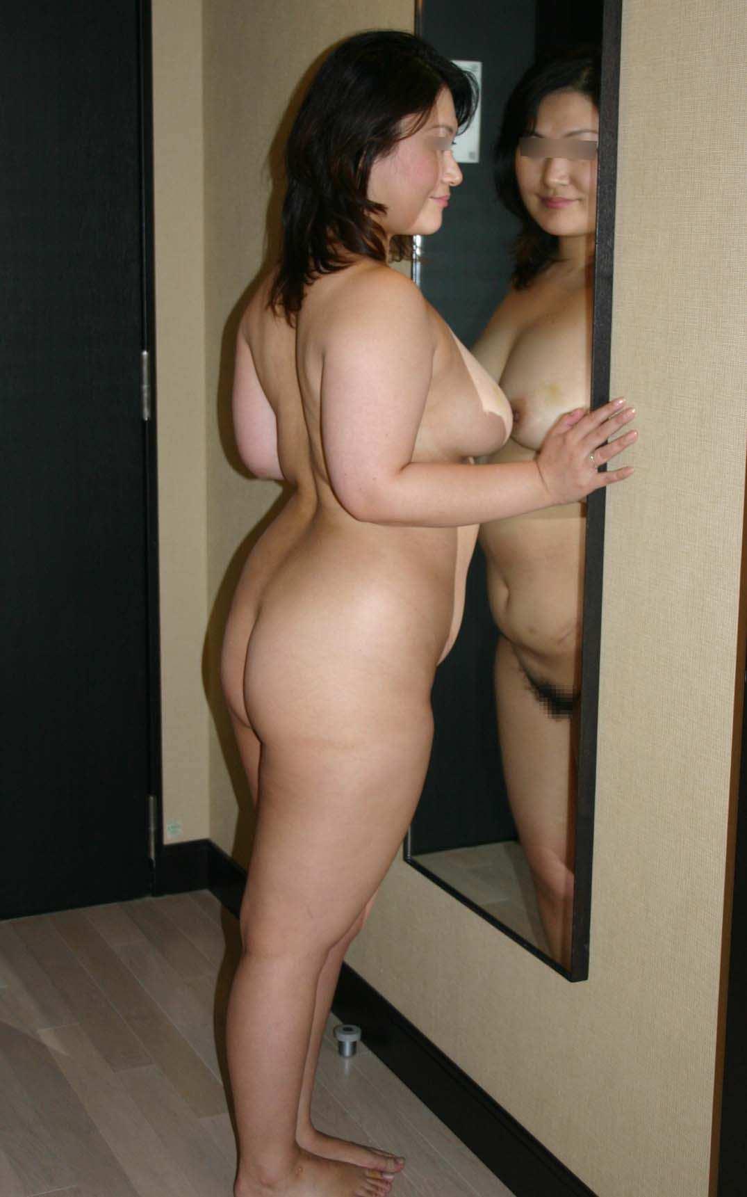 体たらくっぷりが逆に可愛いデブ専おデブちゃんヌードの素人エロ画像 935