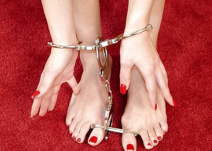 監禁状態の女の手足を拘束 → エッチなお仕置き調教www素人SMエロ画像 936