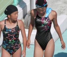 水泳部の女子をガチ盗撮www生尻むっちり乳首ポチ日焼け跡が最高な素人エロ画像