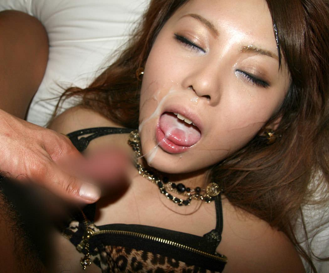 お口マンコにドバっと中出しwwwザーメン流しこむ口内射精のエロ画像 14
