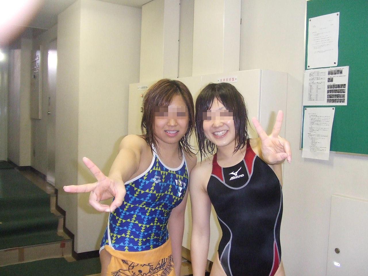 水泳部の女子をガチ盗撮www生尻むっちり乳首ポチ日焼け跡が最高な素人エロ画像 1416