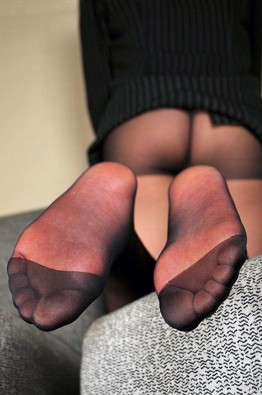 酸っぱ塩っぱい味がする女の子の足の裏フェチエロ画像 1521