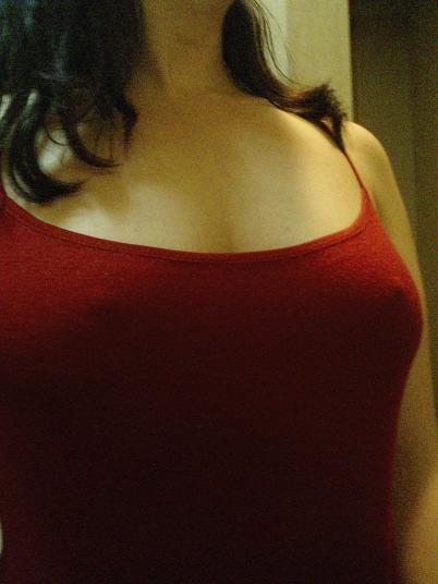 衣服に透ける梅干し乳首がコリコリしてるwww透け乳おっぱいのエロ画像 214