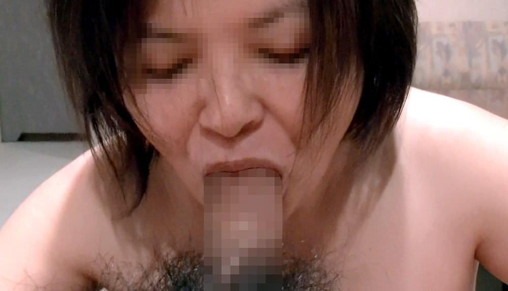 だらしない身体のむっちり熟女wwww豊富なフェラで経験でもてなす素人エロ画像 2319