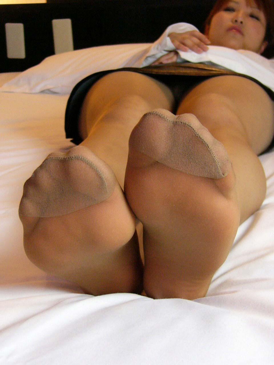 酸っぱ塩っぱい味がする女の子の足の裏フェチエロ画像 2612