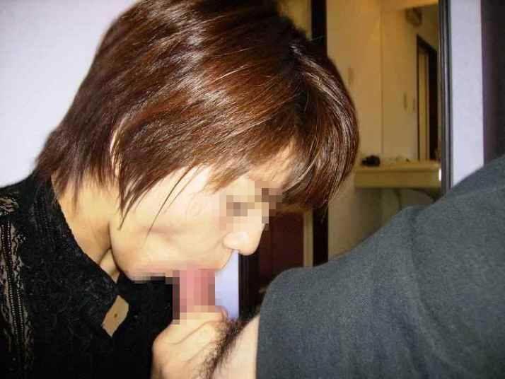だらしない身体のむっちり熟女wwww豊富なフェラで経験でもてなす素人エロ画像 3012