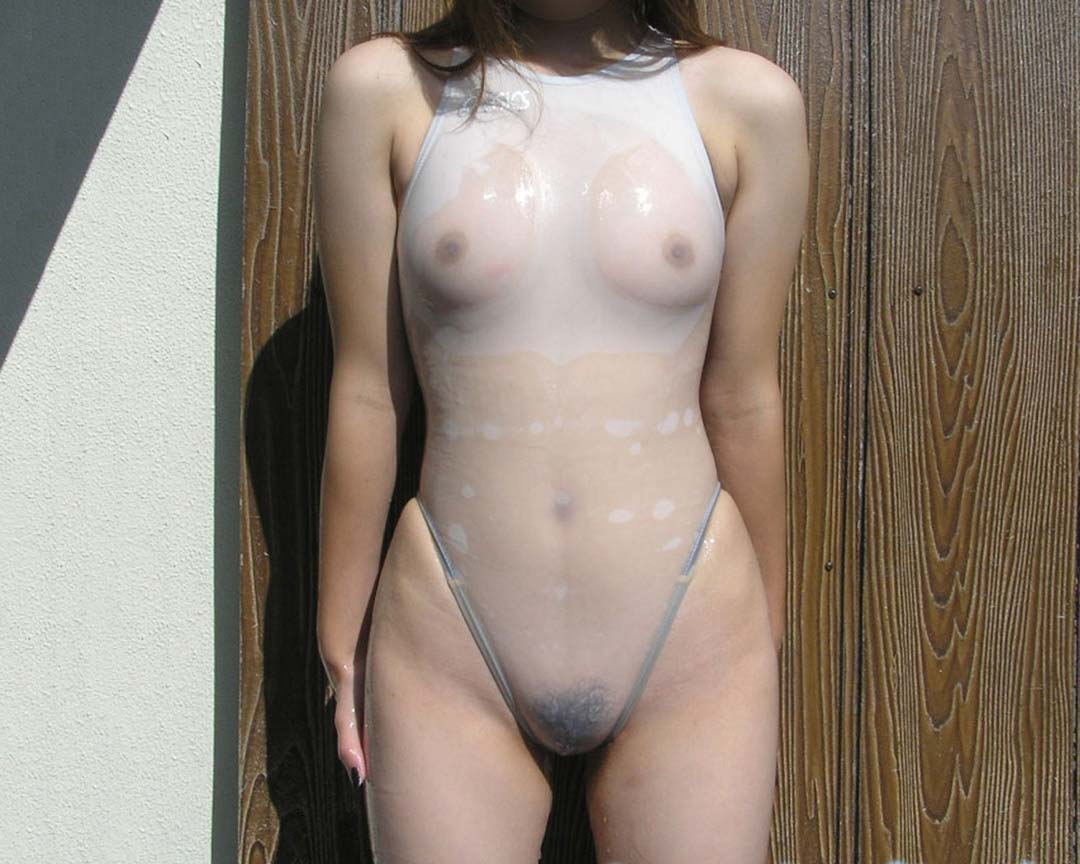 アンダーショーツなしの水着が透けてるwwwwマン毛やマン筋や乳首の素人エロ画像 323