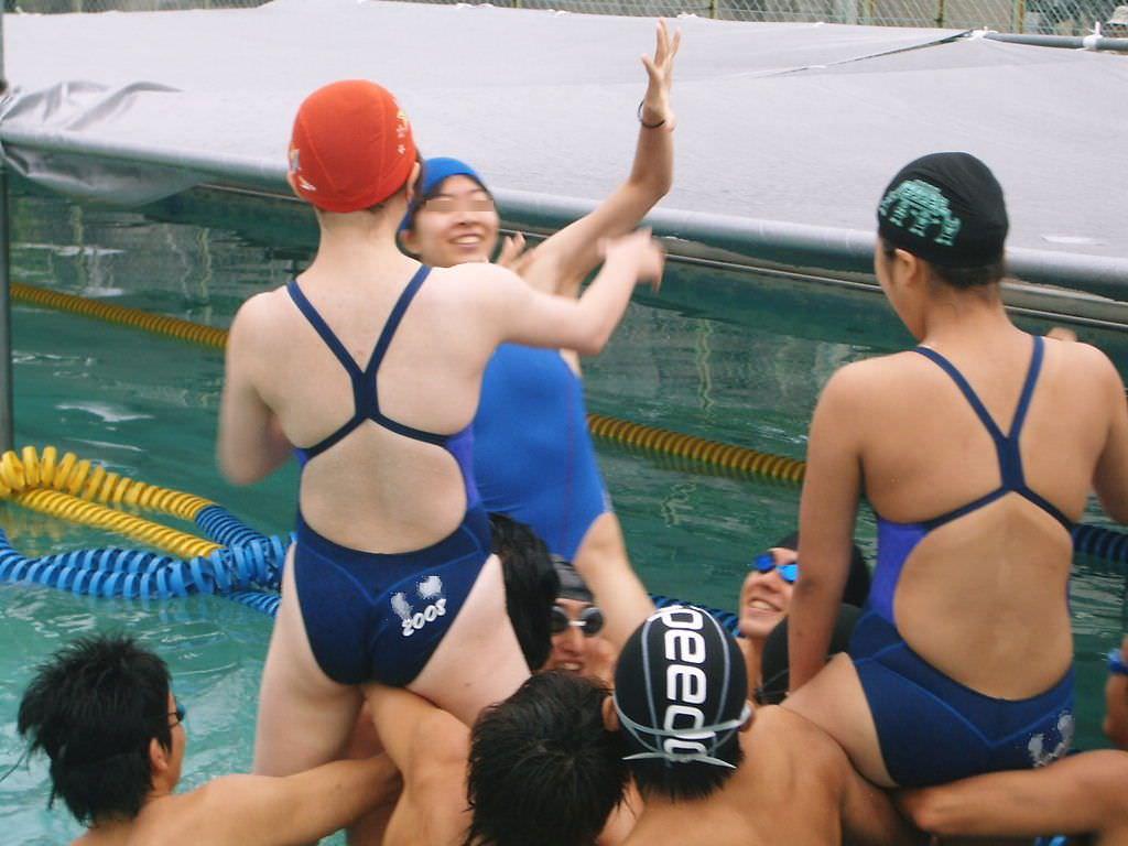 水泳部の女子をガチ盗撮www生尻むっちり乳首ポチ日焼け跡が最高な素人エロ画像 342