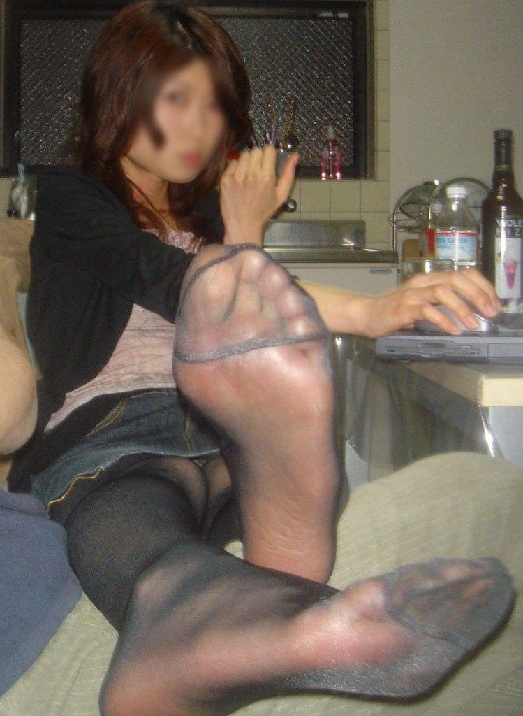 酸っぱ塩っぱい味がする女の子の足の裏フェチエロ画像 622