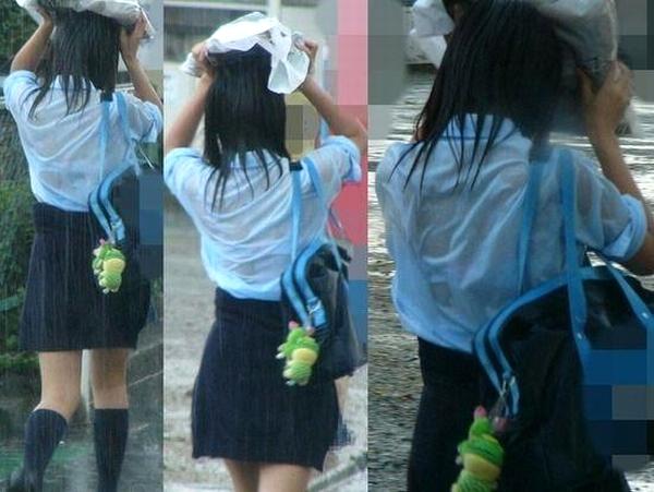 【※勃起不可避】突然の雨でJKのブラジャーがスッケスケ!通常の10倍エ□い濡れJK画像wwww numo2
