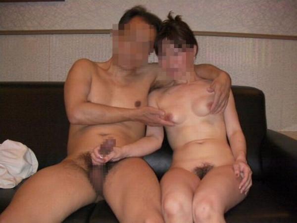セックス現役の熟年素人カップルが素っ裸で自撮りするエロ画像 1157