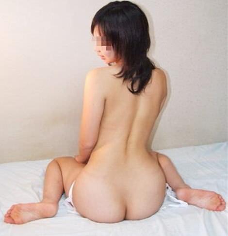 全裸の彼女が可愛いくアヒル座りwwwラブホで撮影した素人系流出エロ画像 1720