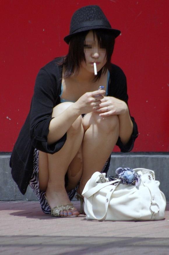 素人のヤニーズ彼女がセクロス後の一服www満足な表情がそそるエロ画像 2112