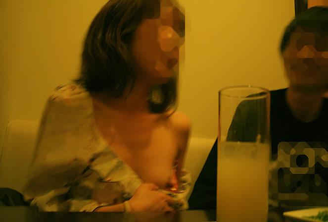 合コンやコンパで酔いつぶれてドエロになってる素人娘のエロ画像 2142