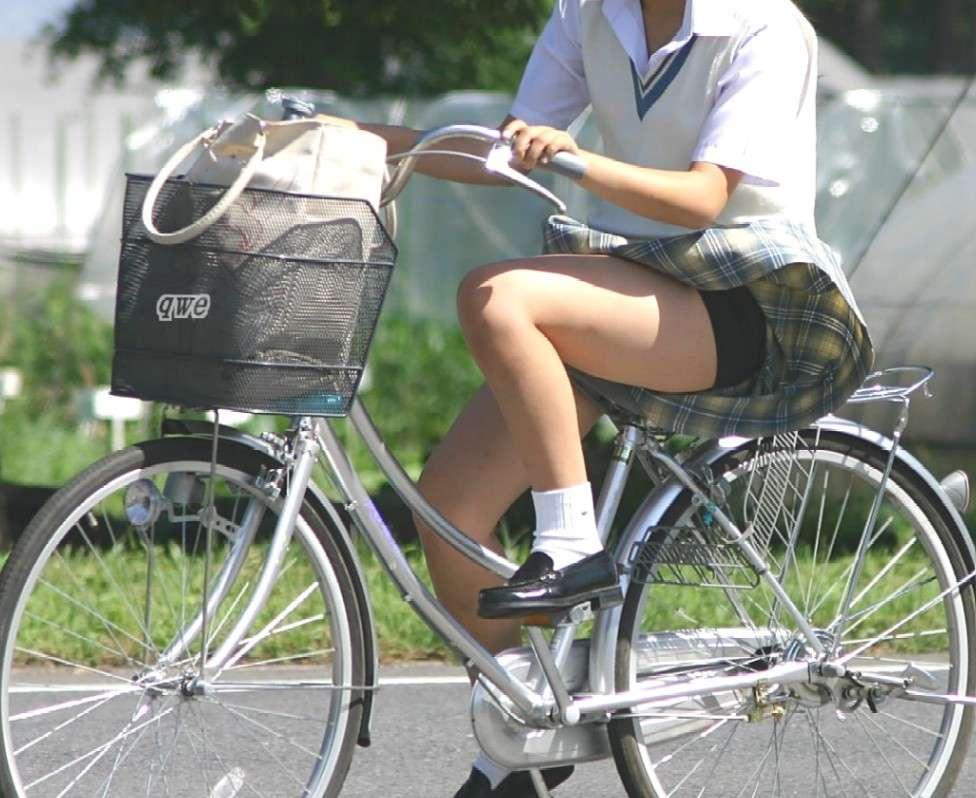女子校生がパンチラでハーパン履いてたエロ画像 2147