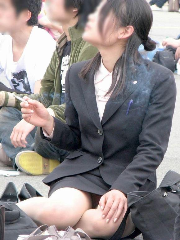 素人のヤニーズ彼女がセクロス後の一服www満足な表情がそそるエロ画像 227