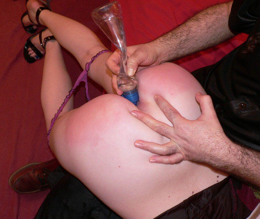 アブノーマルなハードSMでビンビンに濡れちゃってるド変態娘www彼女にも試してみたいwww 2437