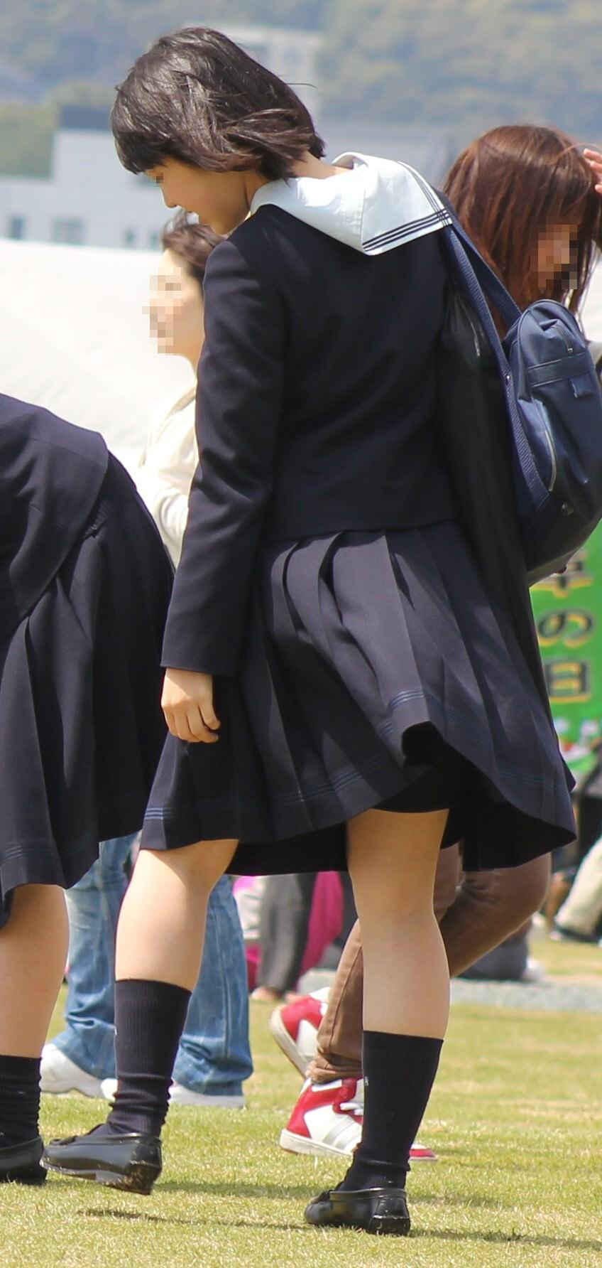 女子校生がパンチラでハーパン履いてたエロ画像 2722