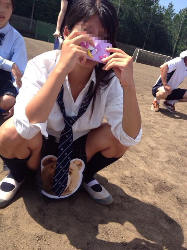 女子校生がパンチラでハーパン履いてたエロ画像 2916