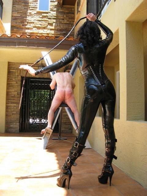 アブノーマルなハードSMでビンビンに濡れちゃってるド変態娘www彼女にも試してみたいwww 2922