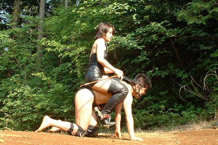 アブノーマルなハードSMでビンビンに濡れちゃってるド変態娘www彼女にも試してみたいwww 3514