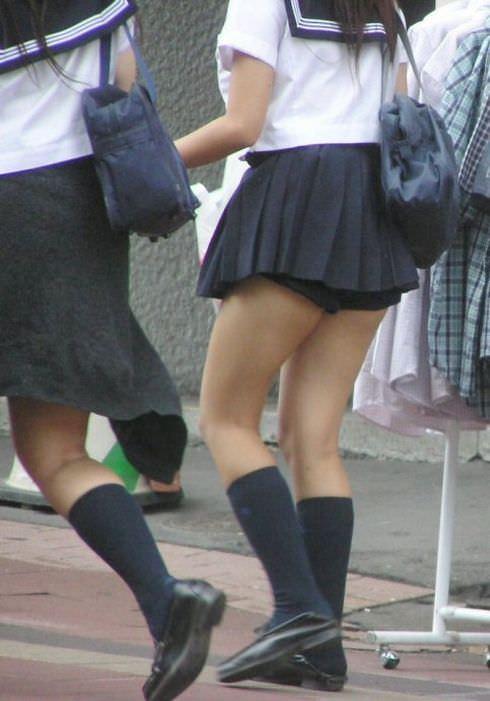 女子校生がパンチラでハーパン履いてたエロ画像 368