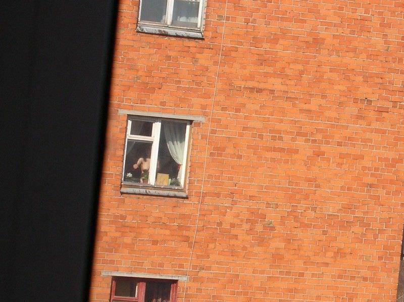 窓際で油断した女達www下着姿や裸を盗撮した流出エロ画像 416