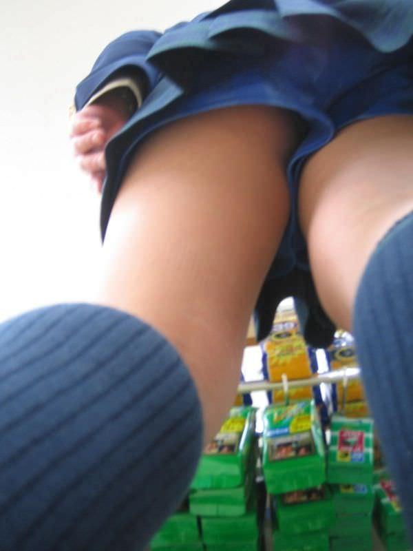 女子校生がパンチラでハーパン履いてたエロ画像 446