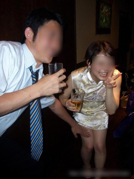 合コンやコンパで酔いつぶれてドエロになってる素人娘のエロ画像 543
