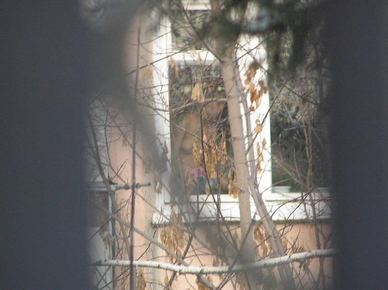 窓際で油断した女達www下着姿や裸を盗撮した流出エロ画像 616