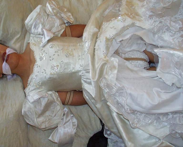 ラブホで彼女のコスプレ写メって流出させた変態カップルのエロ画像 753