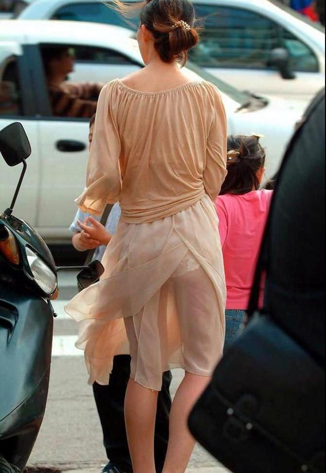 色物柄物でもパンティーが透けてる素人娘は沢山いるwww街取り盗撮www 2208