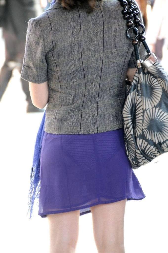 色物柄物でもパンティーが透けてる素人娘は沢山いるwww街取り盗撮www 2209