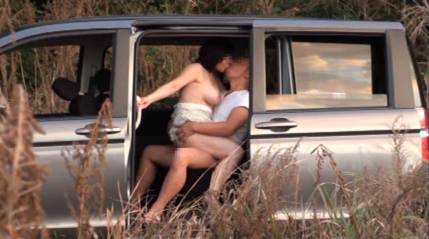 性欲抑えきれないサル並みカップル達のカーセックス激写したったwwwwww 2440