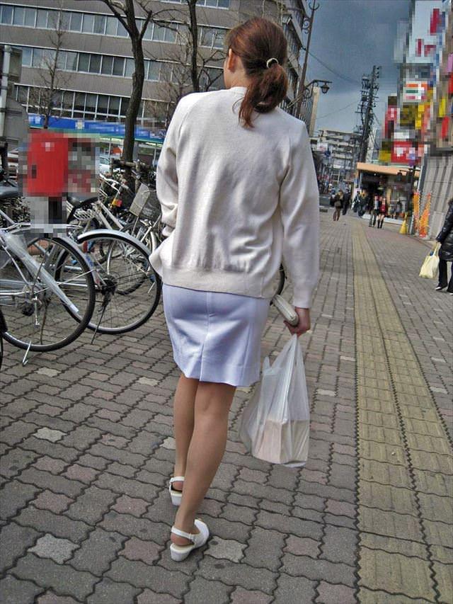 【ナース隠し撮り】いい匂いがする看護婦さんの透けパンツを街撮り激写wwwww 0608