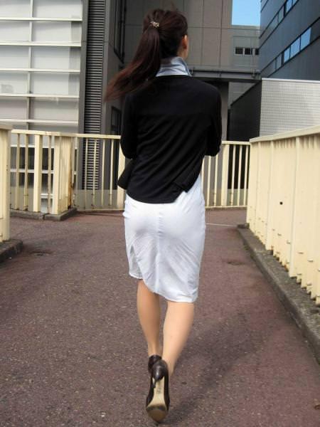 【ナース隠し撮り】いい匂いがする看護婦さんの透けパンツを街撮り激写wwwww 0611
