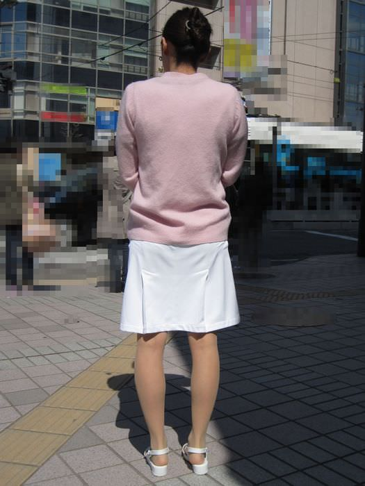 【ナース隠し撮り】いい匂いがする看護婦さんの透けパンツを街撮り激写wwwww 0615