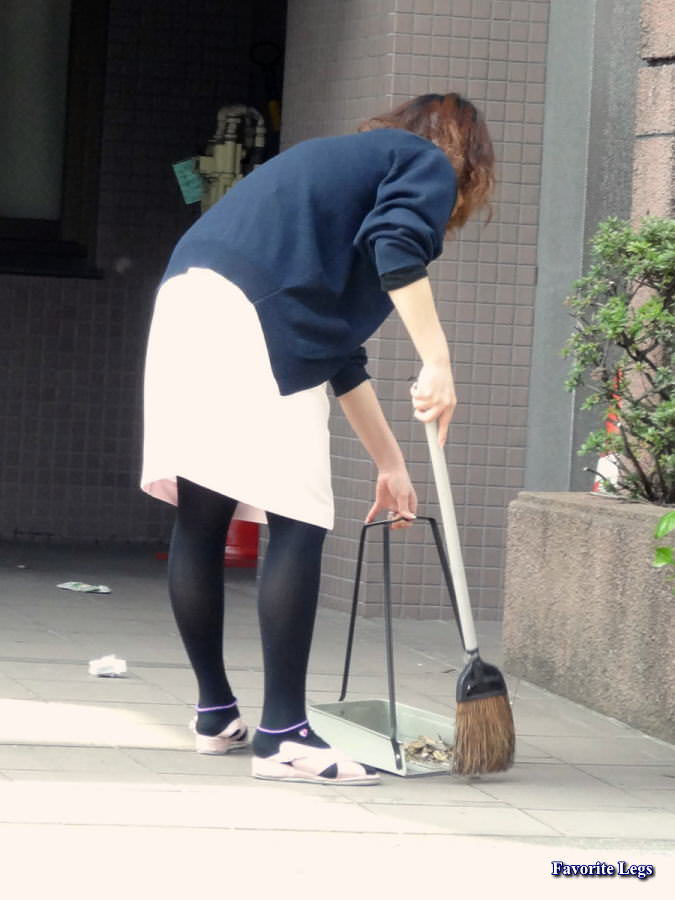 【ナース隠し撮り】いい匂いがする看護婦さんの透けパンツを街撮り激写wwwww 0621